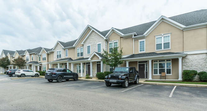The Hamptons Apartments At Iuthe